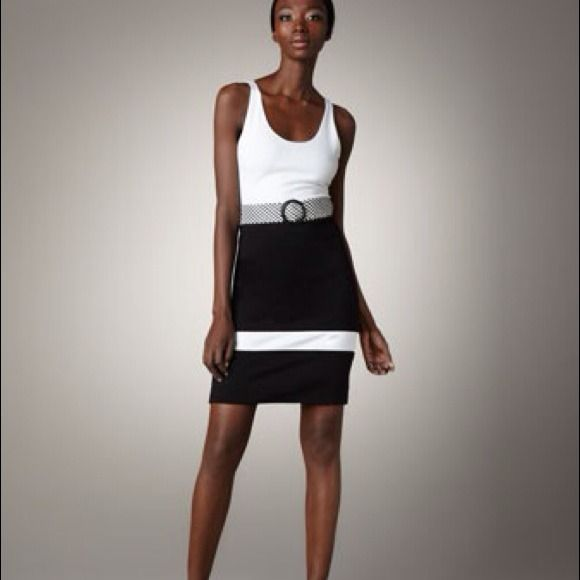 HOSTPICK Alice+Olivia black white dress XS NWT Alice + Olivia black/white V-back belted dress size XS, NWT Alice + Olivia Dresses
