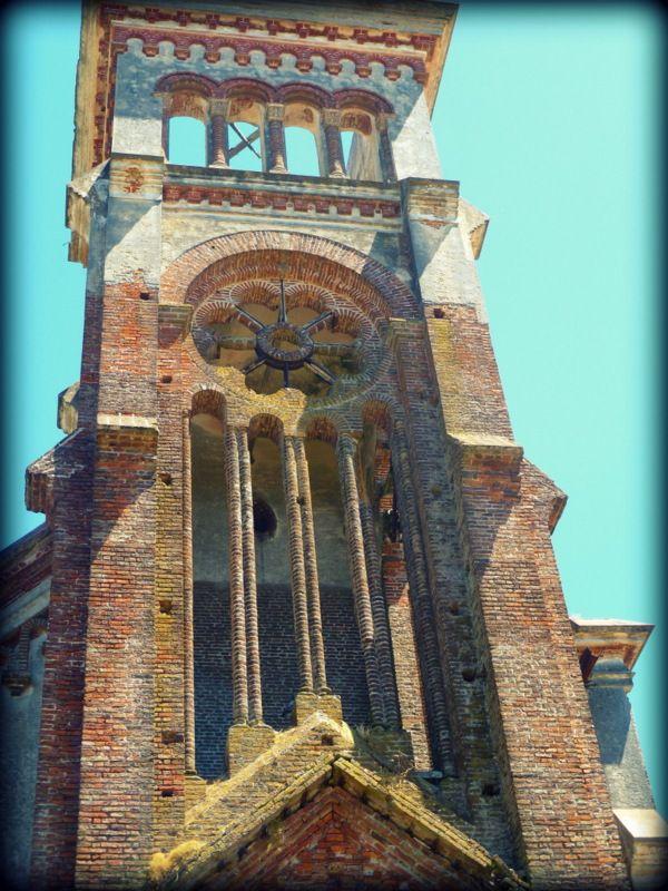 Iglesia abandonada. Piriapolis, Uruguay