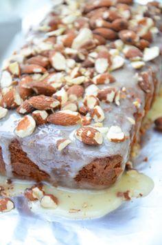Almond Honey Cake // Mandel-Honig-Kuchen // Baking Barbarine // geröstete Mandeln und Honig in einem supersaftigen Kuchen vereeint