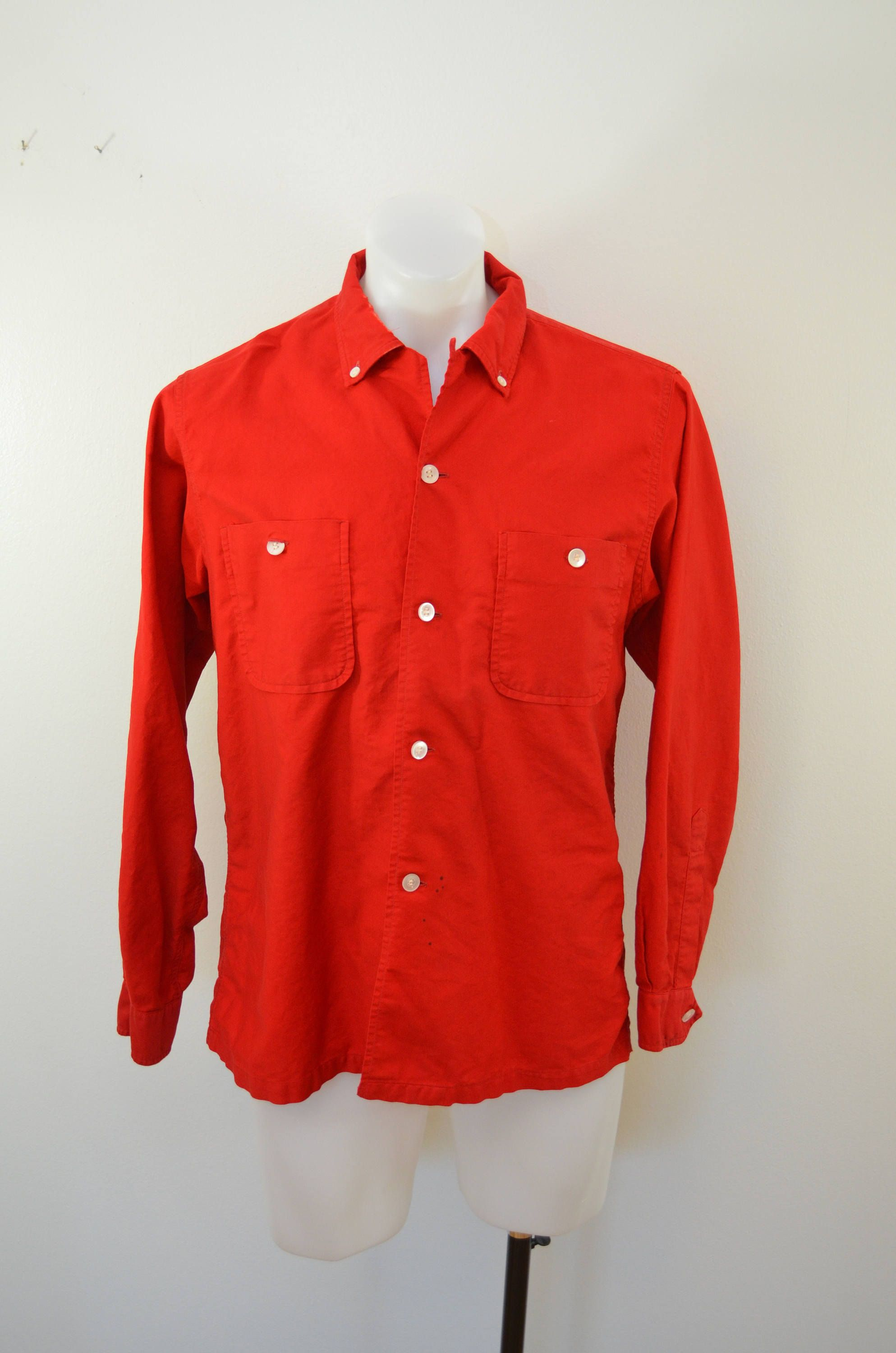 ba5551e6f543b Vintage SISSON S Milwaukee button down long sleeve shirt 1930 s 40 s USA  Medium by ilovevintagestuff on Etsy