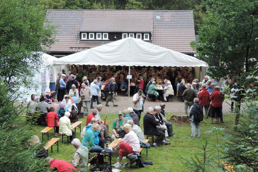 Am Harzklub-Wanderheim Wildemann trafen sich die Wanderfreunde