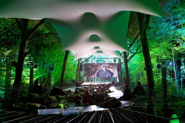 beautiful installation in the tree for the Epic movie launch in France