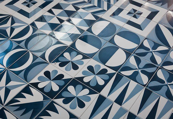 Piastrelle bagno novita collezioni  blu ponti