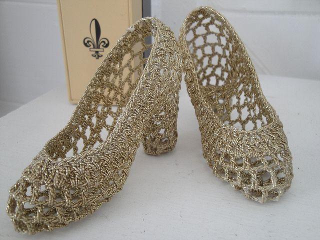 Crocheted heels on knithacker.com