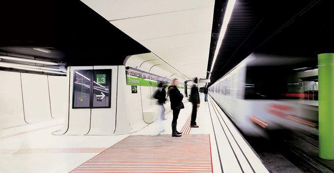 Drassanes subway station in Bercelona spacious Pinterest Metro