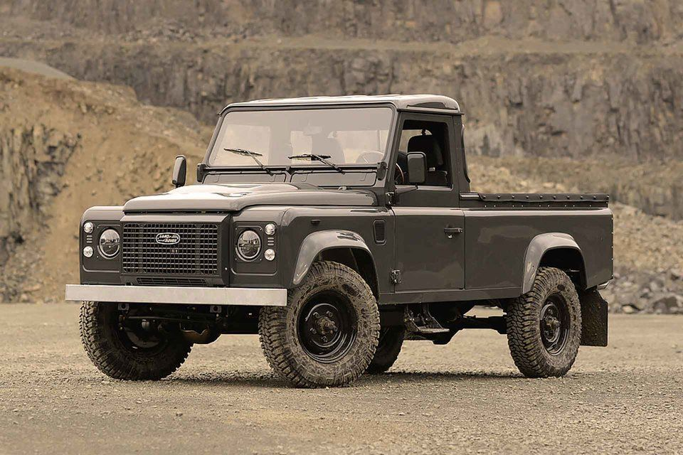 Commonwealth 1990 Land Rover Defender 110 Truck in 2020