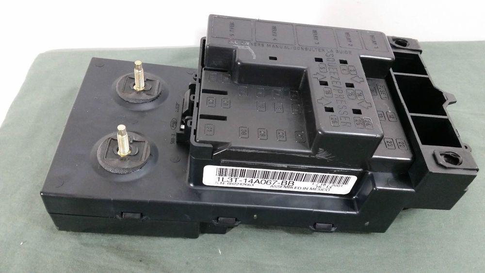 19992003 Ford F150 UNDER DASH FUSE RELAY BOX OEM 1L3T