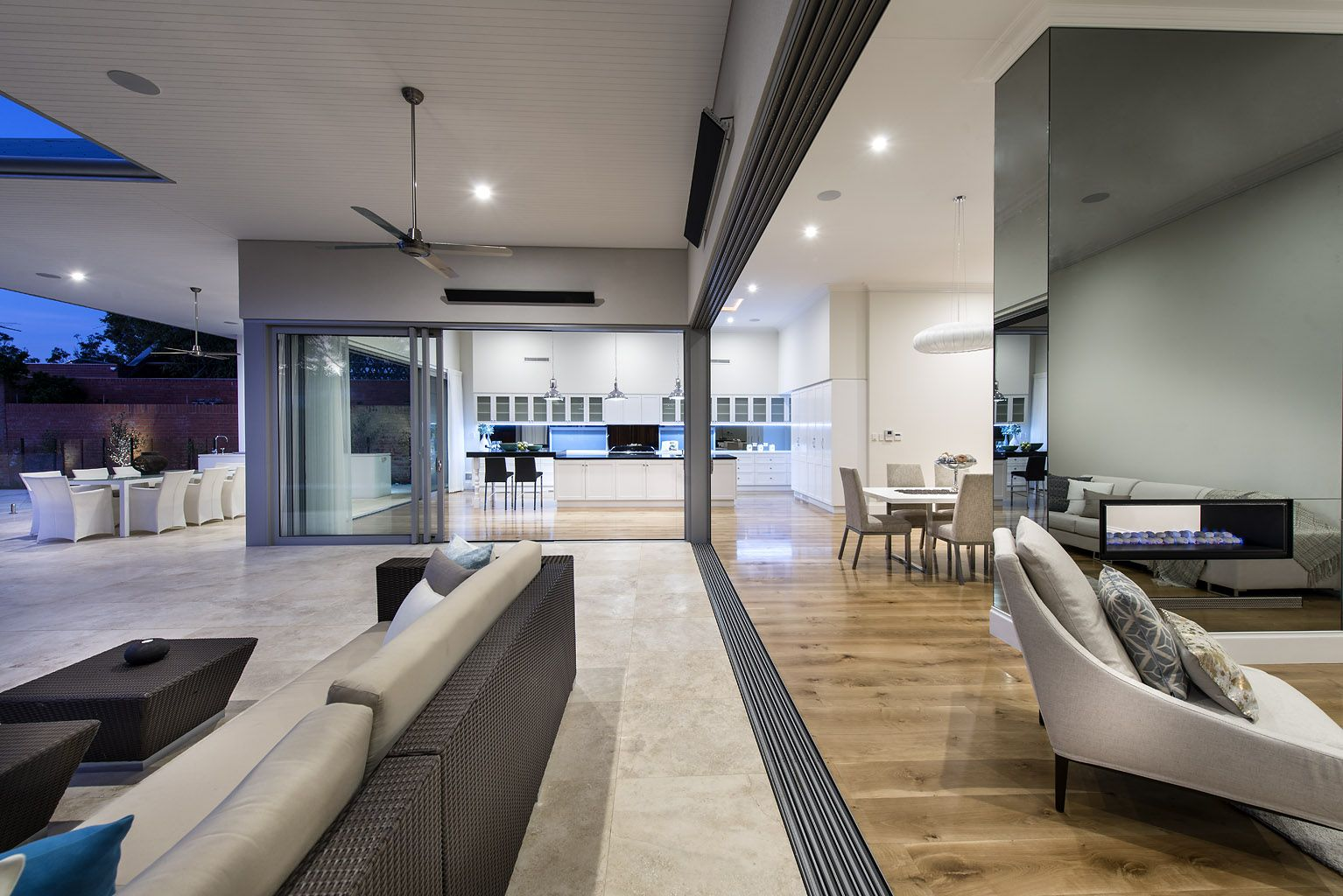 Cambuild   Custom Home Builder | Perth, Western Australia | Luxury Homes |  Timber Floors | Dream Kitchen | Stone Bench Top | Custom Design | Pool |  Ensuite ...