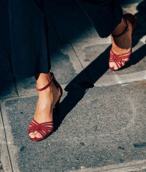 Shop Smart – How To Always Buy The Right Shoes!