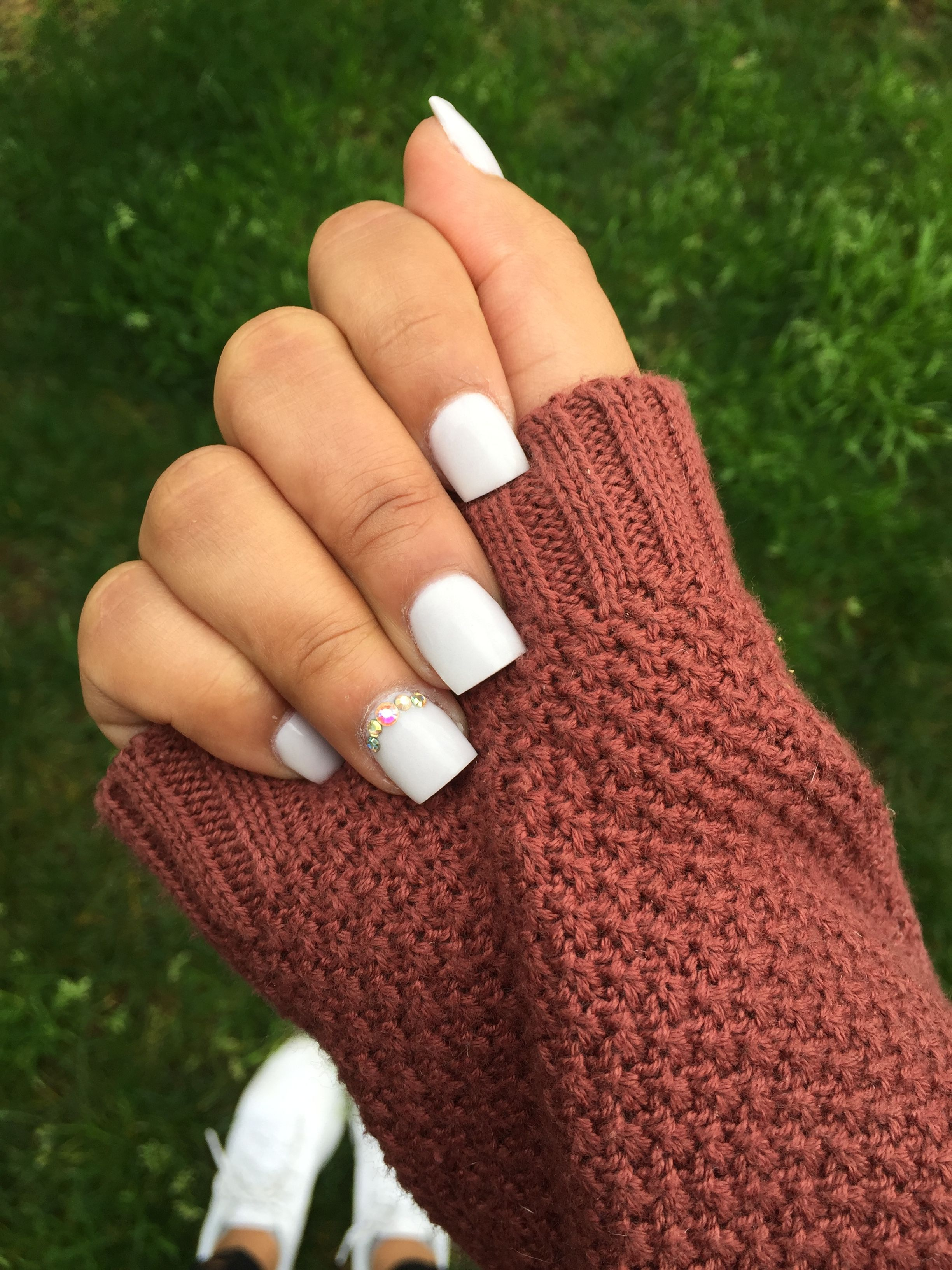 Short acrylic nails || light lavender & gray. Practical and subtle ...