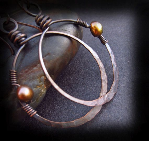 Photo of Artikel ähnlich wie rustikale Kupfer Creolen – Hammered Copper Hoops – Wire Wrapped Hoops – Wire Wrapped Beads auf handgefertigten Kupfer Earwires – Gaia Hoops auf Etsy