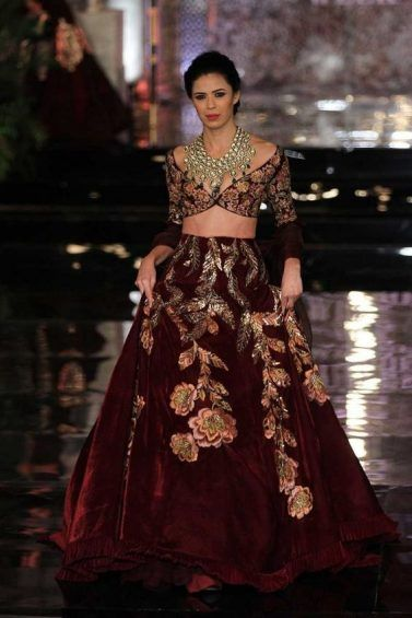 Winter Velvet Dresses Designs Latest Trends Collection 2018-2019 in ...