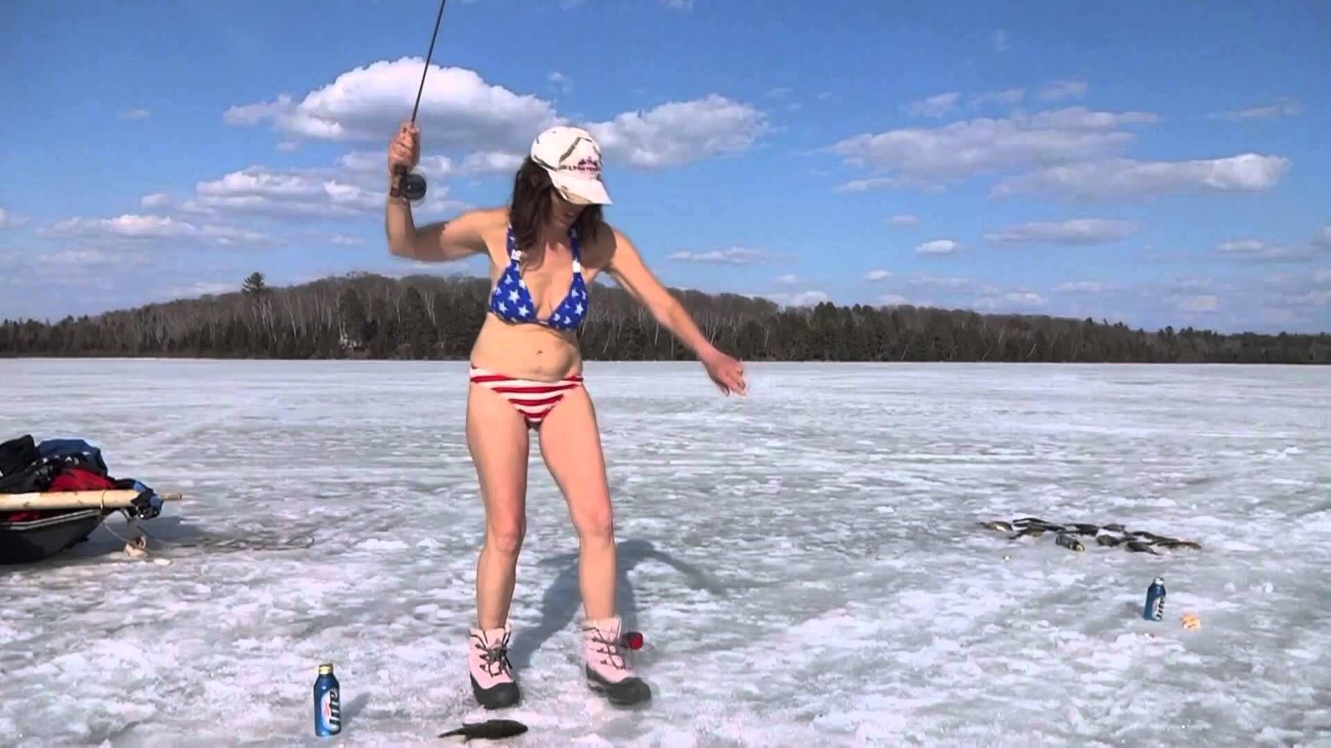 Hot women in bikinis fishing google search fishing for Women fishing in bikinis