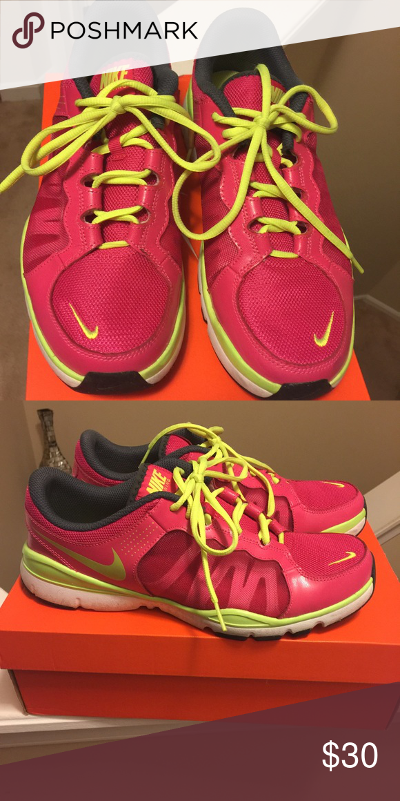 8ef8b3308 Nike running shoe Women s Nike Flex trainer 2 - like new Nike Shoes  Athletic Shoes