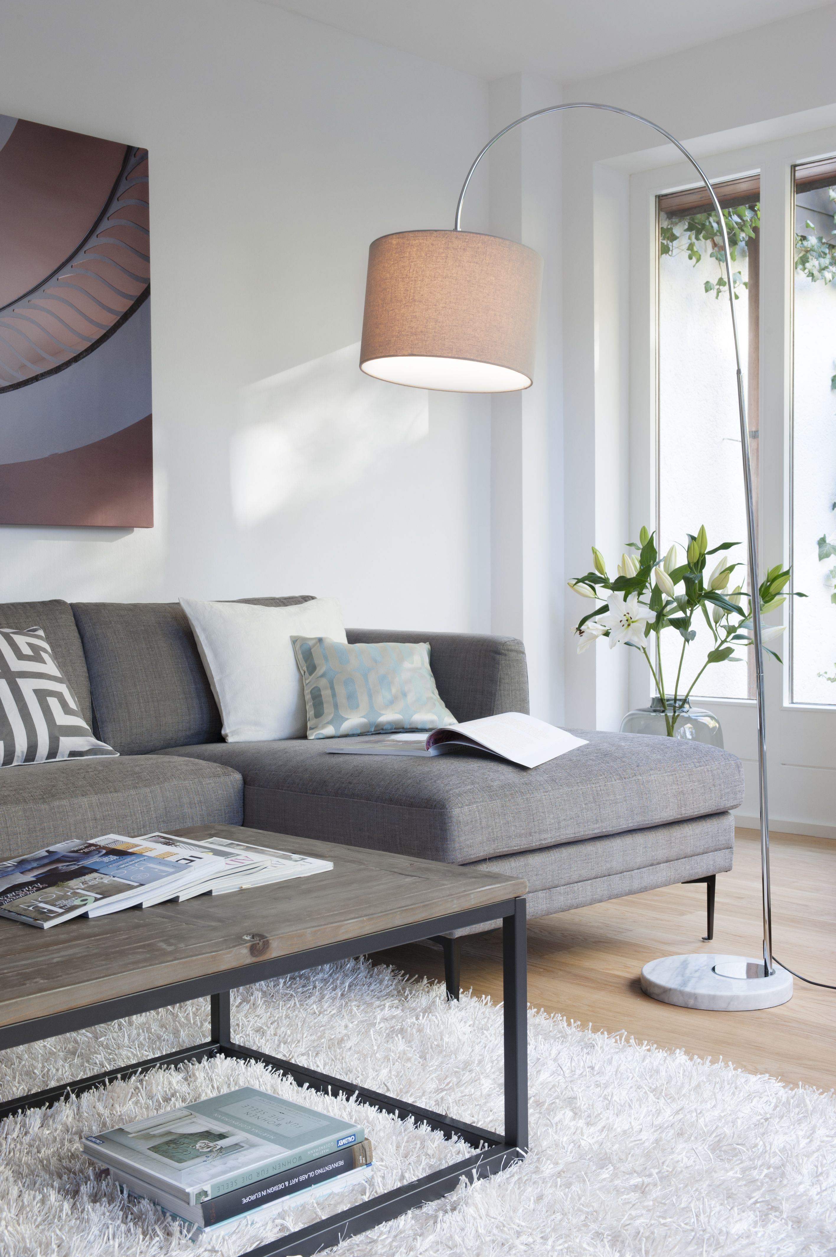 Lampen wohnzimmer teppich wohnzimmer couch grau wohnzimmer neutrale wohnzimmer moderne wohnung moderne architektur schöner wohnen wohnzimmer modernes