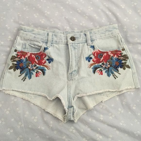 b64f7a21a Embroidered jean shorts Element embroidered jean shorts. Light wash.  Slightly distressed. Mid rise. Never worn! element Shorts Jean Shorts