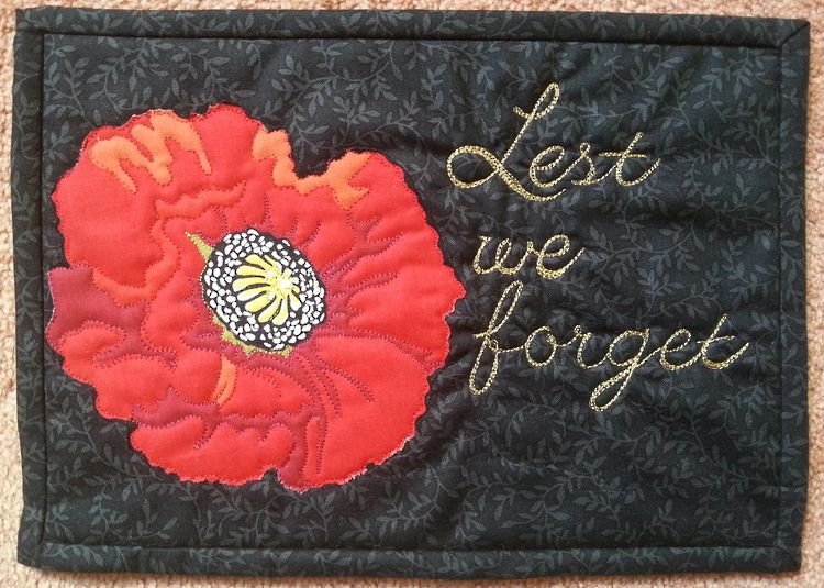 Poppies, ANZAC day mini quilt pattern at Kiwi Quilts (NZ). Would be ...