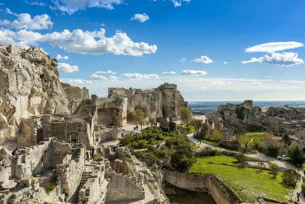 15 Best Avignon Tours The Crazy Tourist South Of France Tours France Tourist
