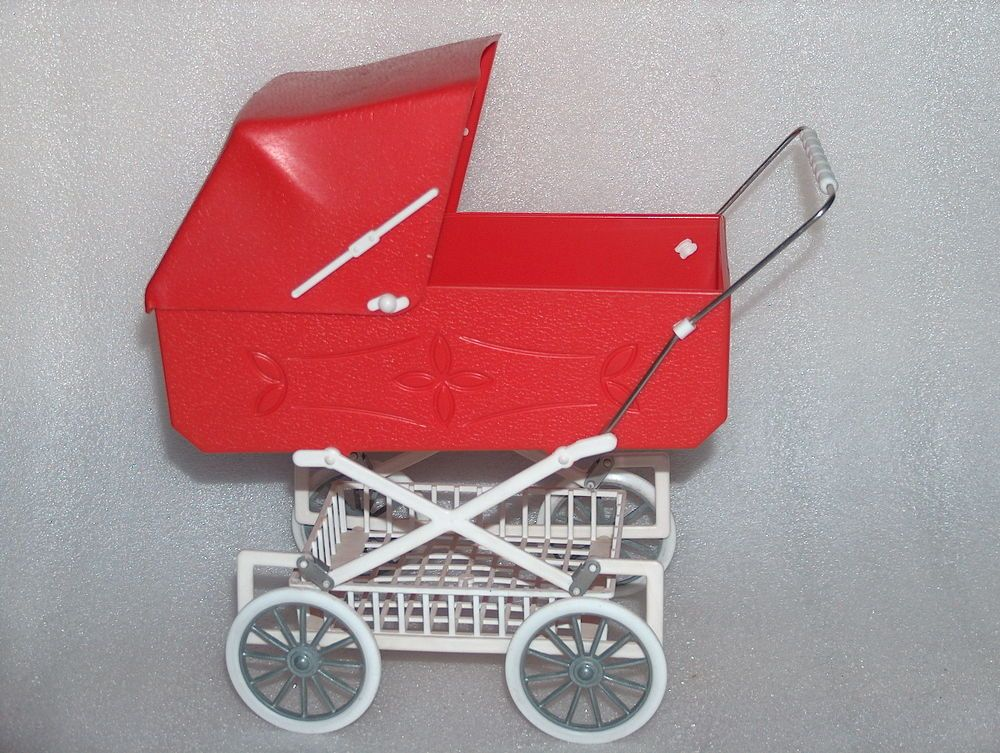 VINTAGE PLASTIC TOY BABYCARRIAGE PERAMBULATOR PRAM