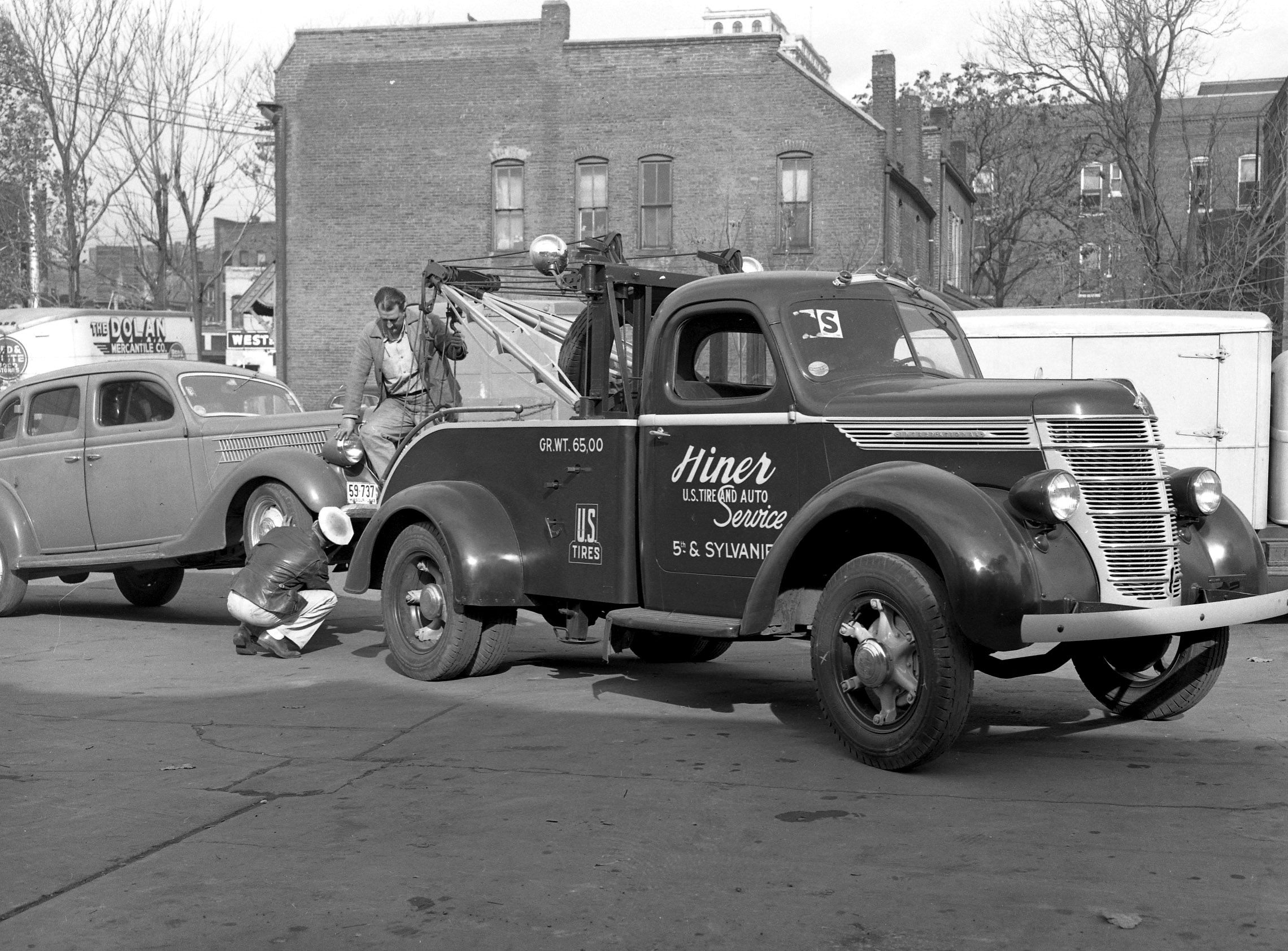 Hiner U.S. Tire & Auto Service, 1937 International Tow Truck, St ...
