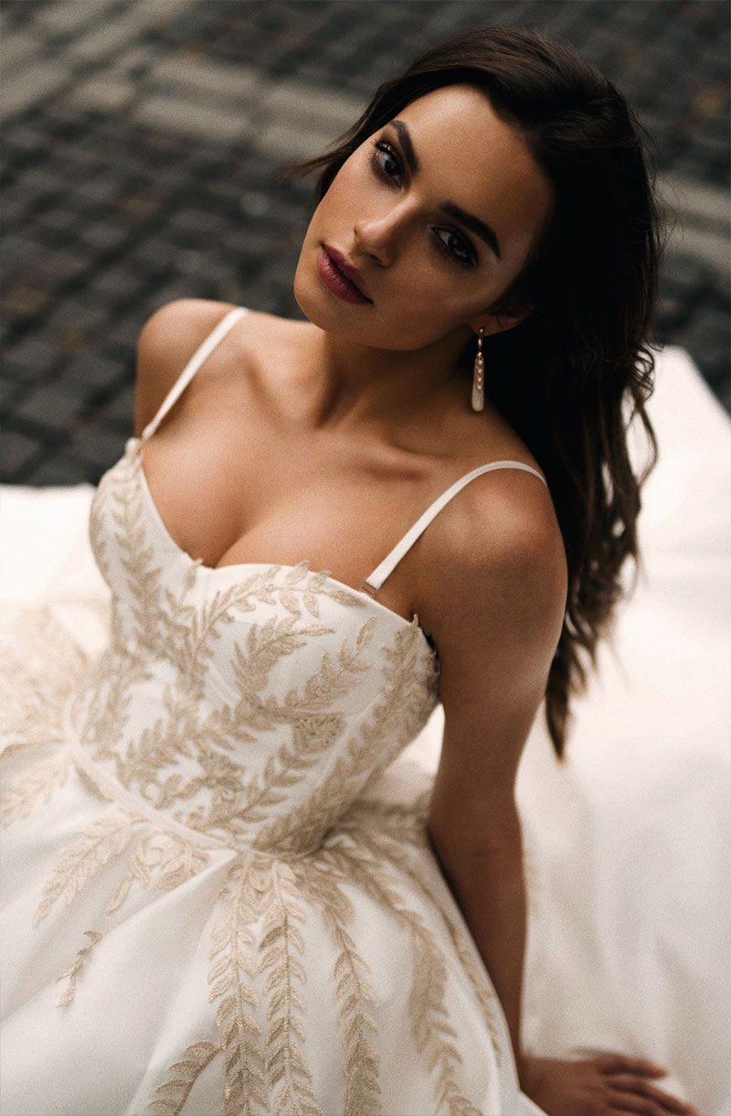 sweetheart neckline spaghetti straps ball gown a line wedding dress chapel train #weddinggown #weddingdresses #wedding #weddings #weddingdress #weddinggowns