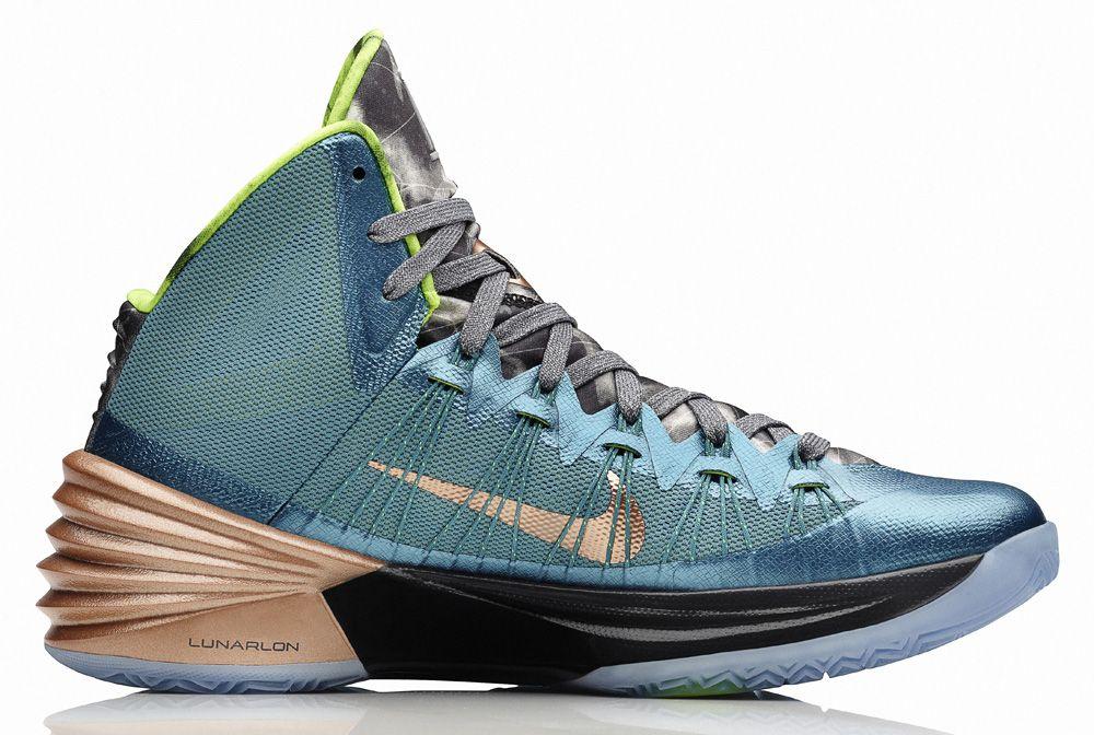 "Footwear · Nike Hyperdunk 2013 Kyrie Irving PE ""Australia"""