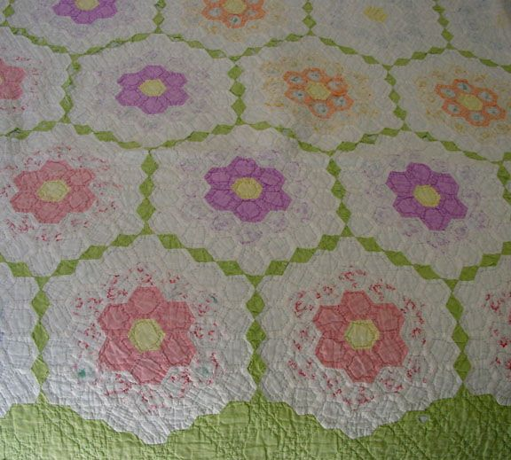 Grandmother S Flower Garden Quilt Pattern Patterns Gallery Grandmothers Flower Garden Quilt Flower Garden Quilt English Paper Piecing Quilts