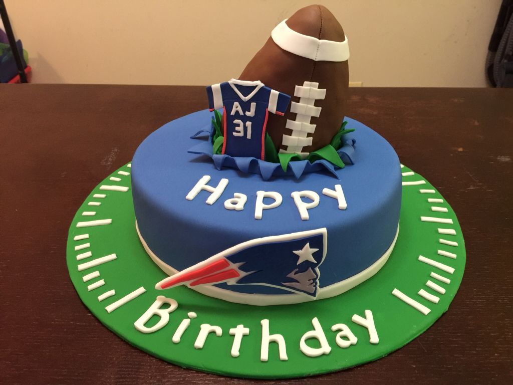 New England Patriots Cake Football Birthday Cake Patriotic Cake Football Desserts