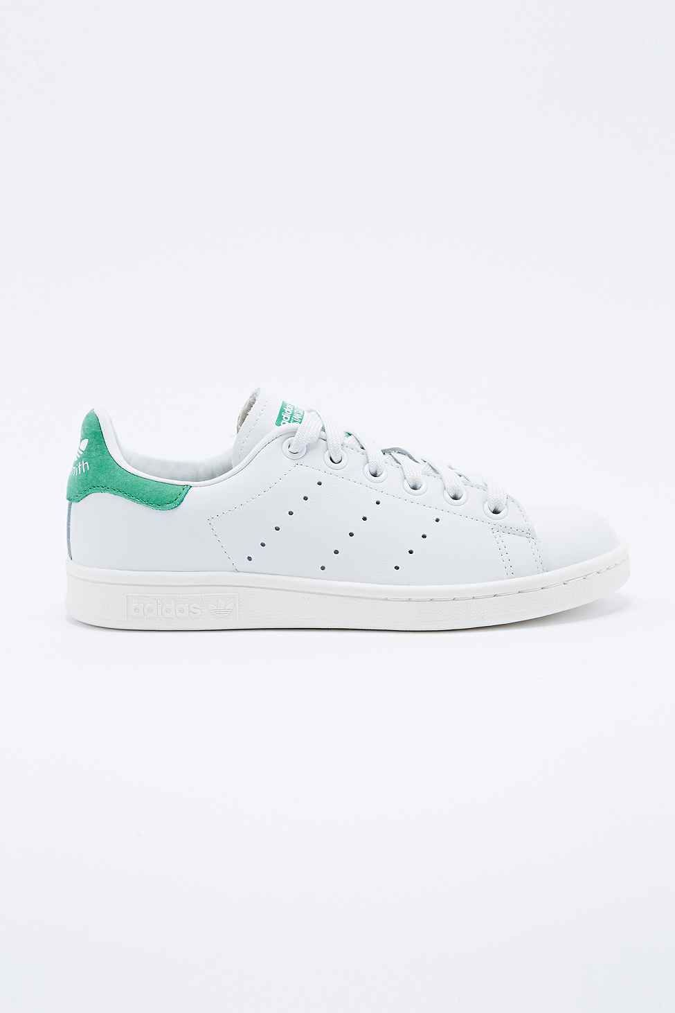 separation shoes c8920 c598b Adidas - Baskets Stan Smith blanches - Urban Outfitters