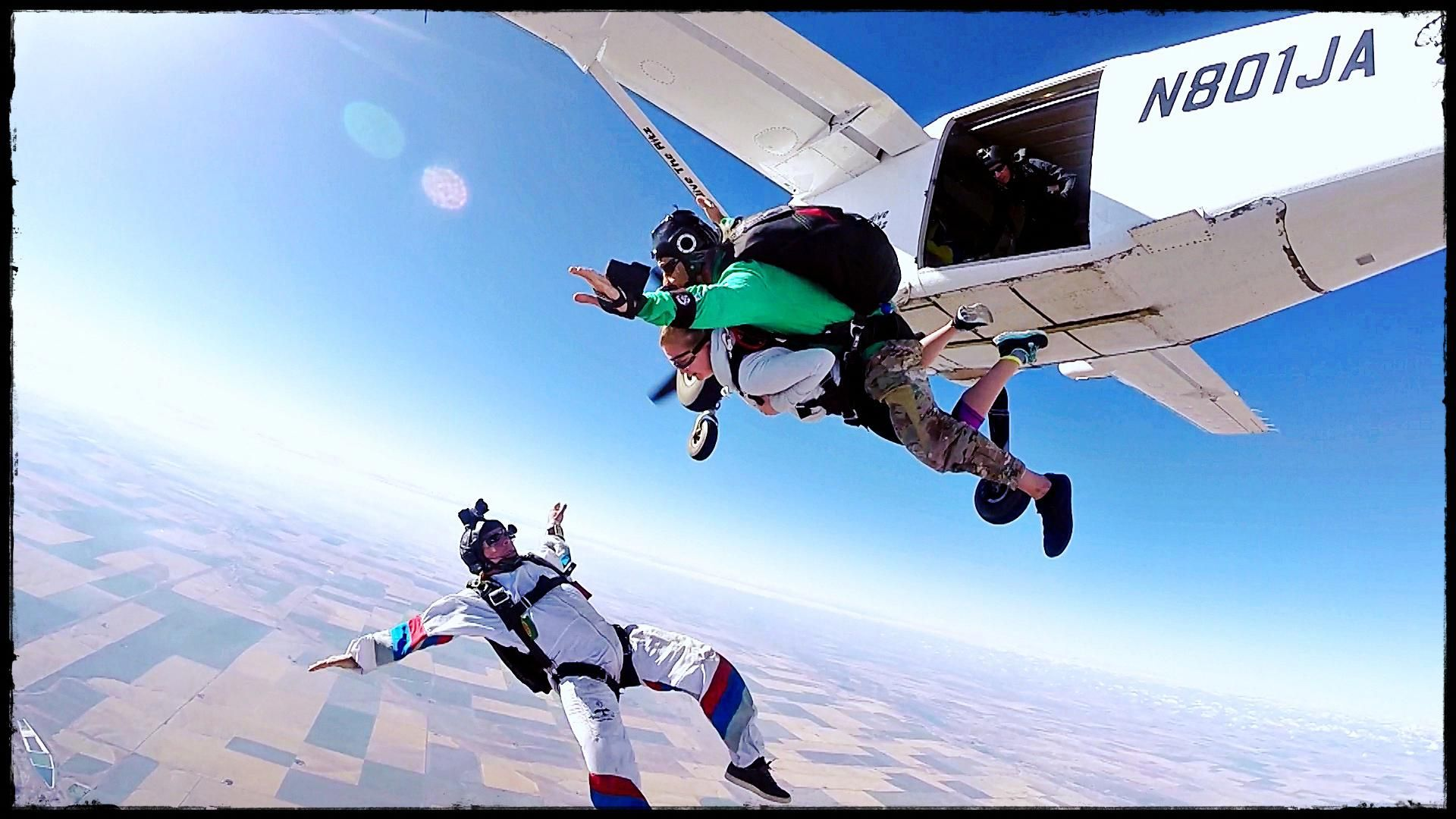 The Feeling Of Tandem Skydiving Skydiving Skydiving License Paragliding
