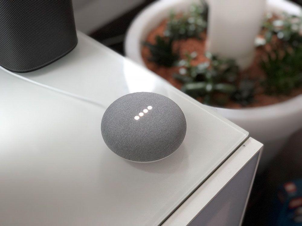 Google Home Mini Portable Speaker / Smart Assistant