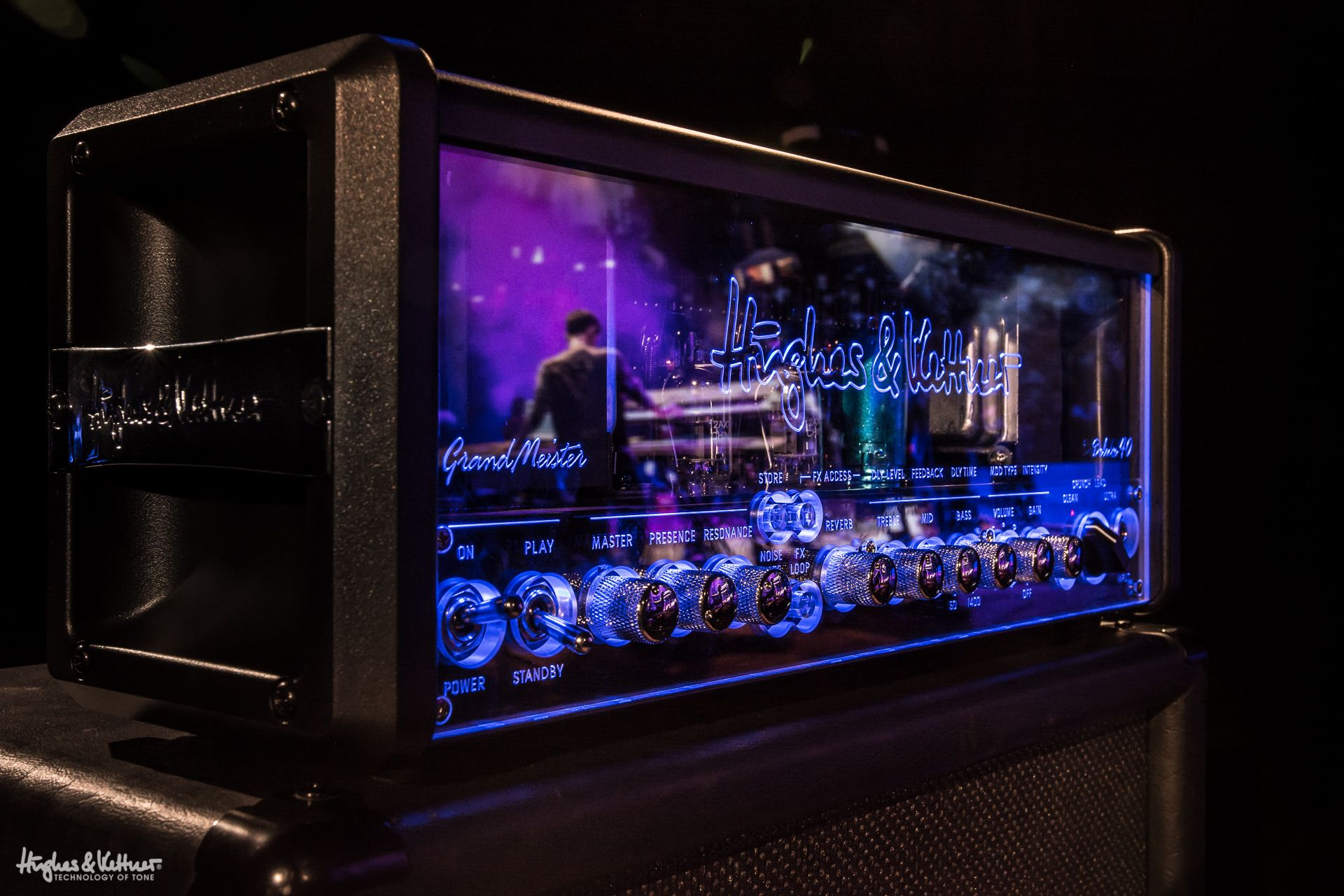 Grandmeister Deluxe 40 In All Its Glory Http Hughes And Kettner Com Products Grandmeister Grandmeister Deluxe 40 Hughesandkettne Guitar Amp Amp Guitar