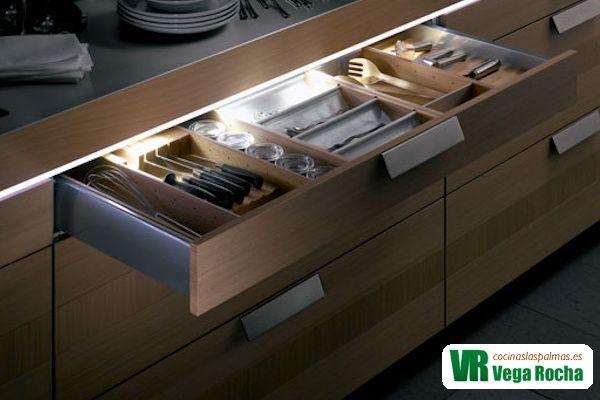 Luces led cajones muebles de cocina maravilloso cocinas r sticas pinterest ideas para - Led para cocina ...