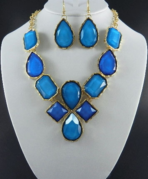 Two Tone Color Necklace Set -CHOOSE COLORS: http://www.outbid.com/auctions/2266-come-if-you-dare-yesterday-s-jewelry-auction#9