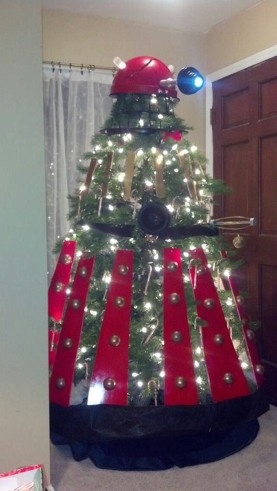 Dalek Christmas tree. What Whovian wouldn't want this?! #DoctorWho - Dalek Christmas Tree. What Whovian Wouldn't Want This?! #DoctorWho