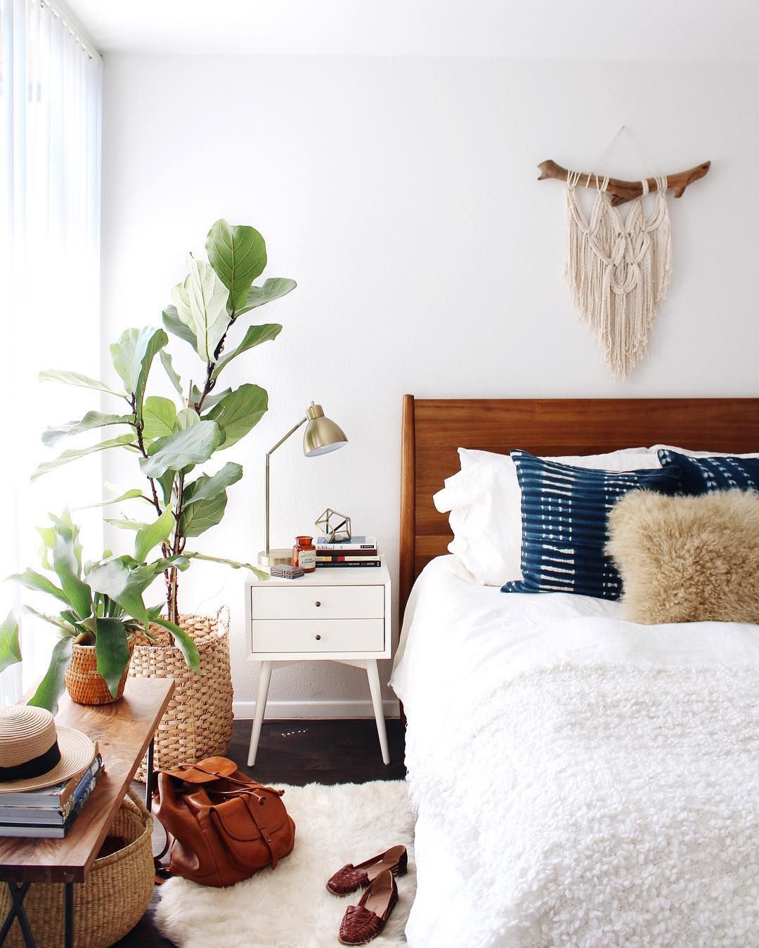 newdarlings instagram - boho mid-century bedroom - macrame and ...