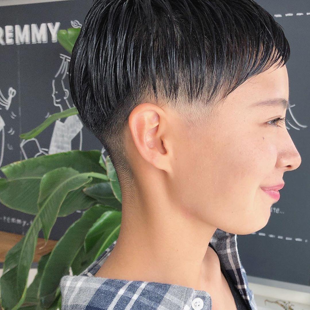 倉田聡子 Theremmy Hairsalonはinstagramを利用しています 潔い女性の刈り上げベリーショート 少ないお休みにtheremmyまで本当にありがとうございます これからも素敵ショートにするよ さとっこゲスト ベリーショート 刈り上げ ベリー