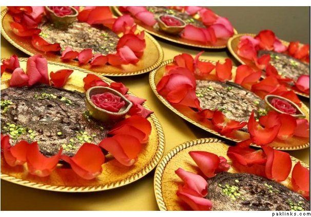 Henna thaal decoration pinterest hennas henna night and wedding henna thaal junglespirit Images