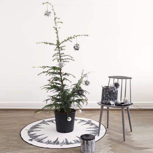 tapis de sapin de no l rond en coton motif montagne by. Black Bedroom Furniture Sets. Home Design Ideas