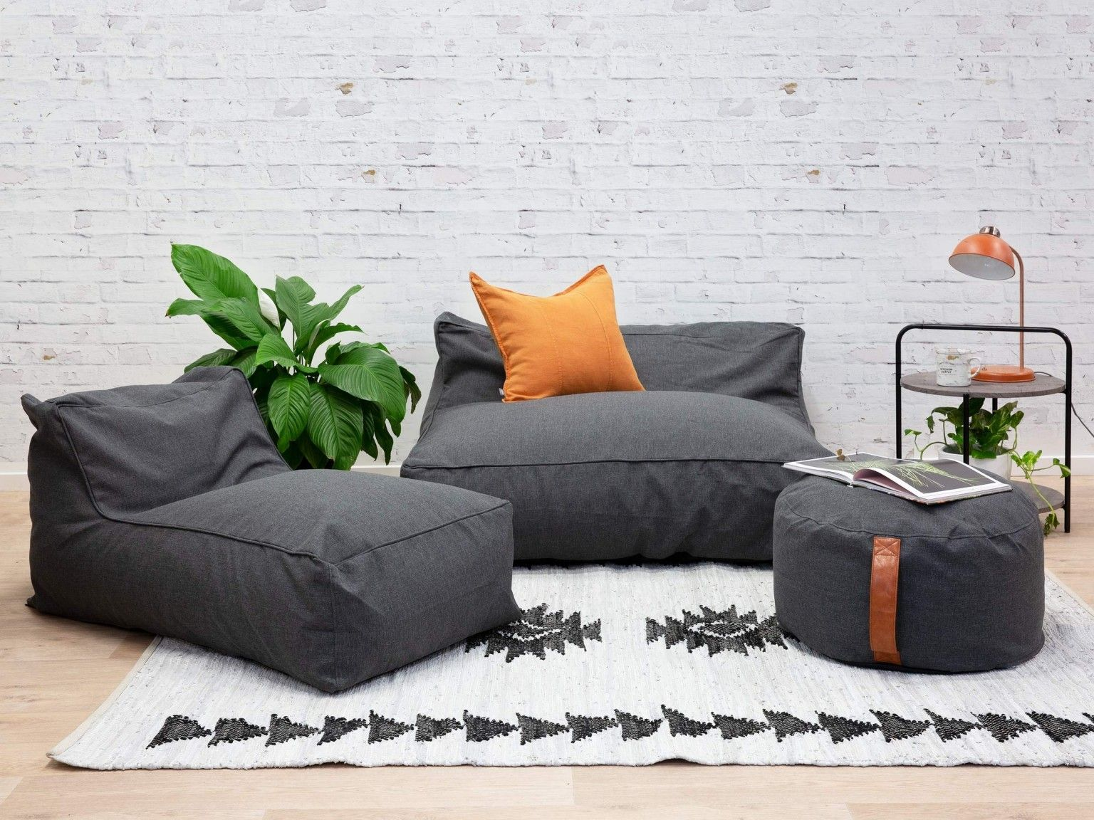 Tremendous Get Rid Of The Coffee Table And Throw Some Big Bean Bag On Unemploymentrelief Wooden Chair Designs For Living Room Unemploymentrelieforg