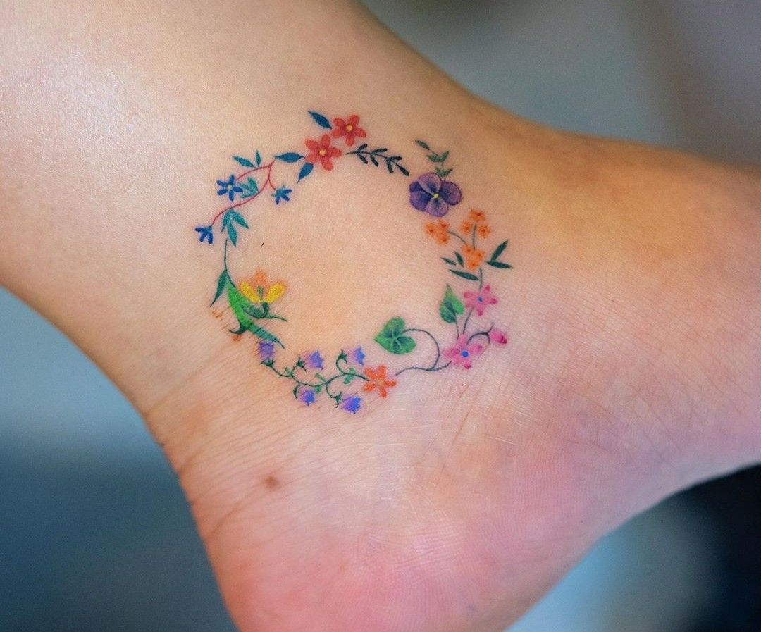 Pin By Elizabeth Rosado Ruiz On Tattoos Ankle Tattoos Wreath Tattoo Small Colorful Tattoos