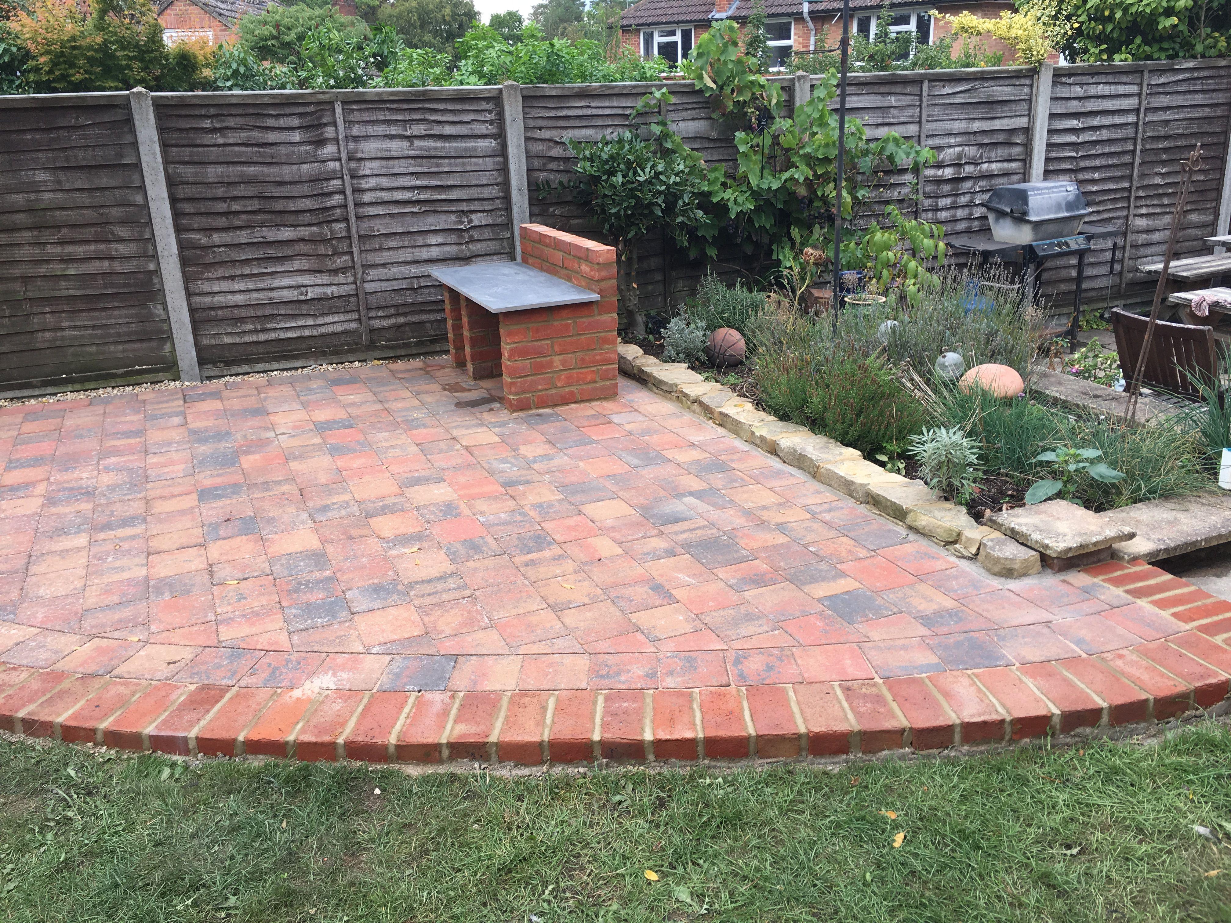 Corner Patio Edged With Matching Brick Border Back Gardens