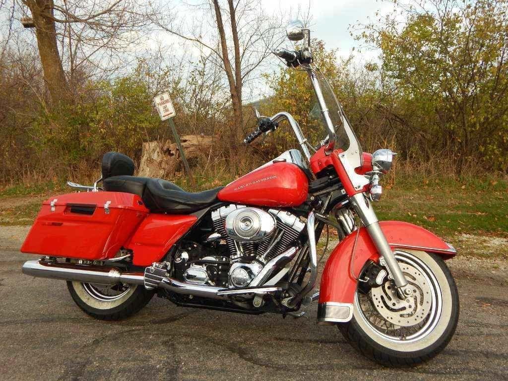 2004 Harley Davidson Flhpi Road King Harleydavidsonroadking Harley Davidson Bikes Road King Motorcycle Harley Davidson [ 768 x 1024 Pixel ]