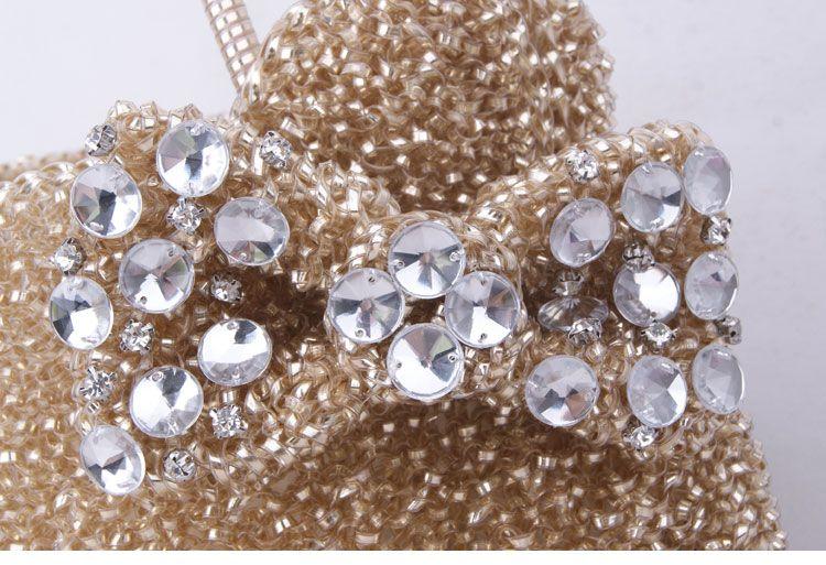 Big-Gold-Hello-Kitty-Bags-Fashion-Rhinestone-Lady-Shoulder_3.jpg (JPEG Image, 750×513 pixels) - Scaled (90%)