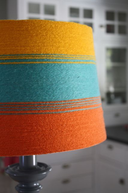 Diy lampshade redo round shade yarn spray adhesive link to easy tutorialbymandi here at thepleatedpoppy com