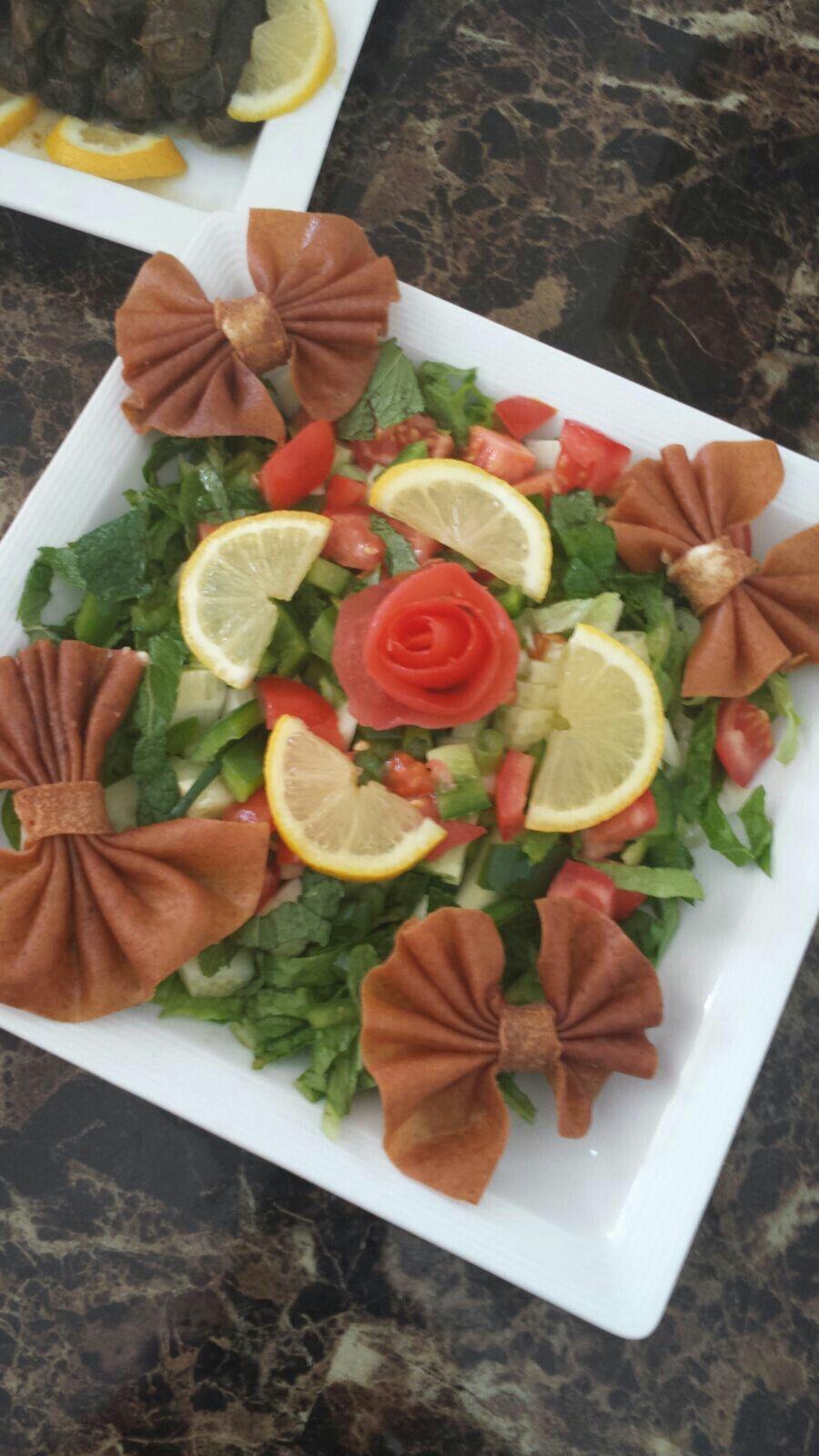 Pin By Bibicha Lamkalcha On اطباق عالم المرأة Party Food Buffet Food Decoration Serving Food