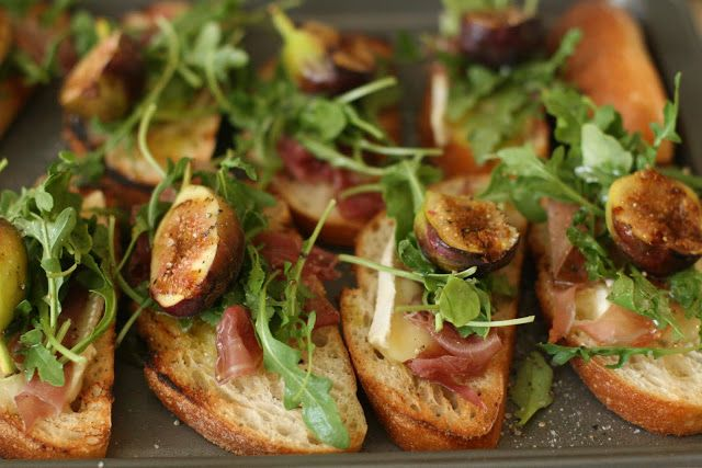 Week of Menus: Grilled Crostini with Brie, Figs and Prosciutto: Too much of a good thing