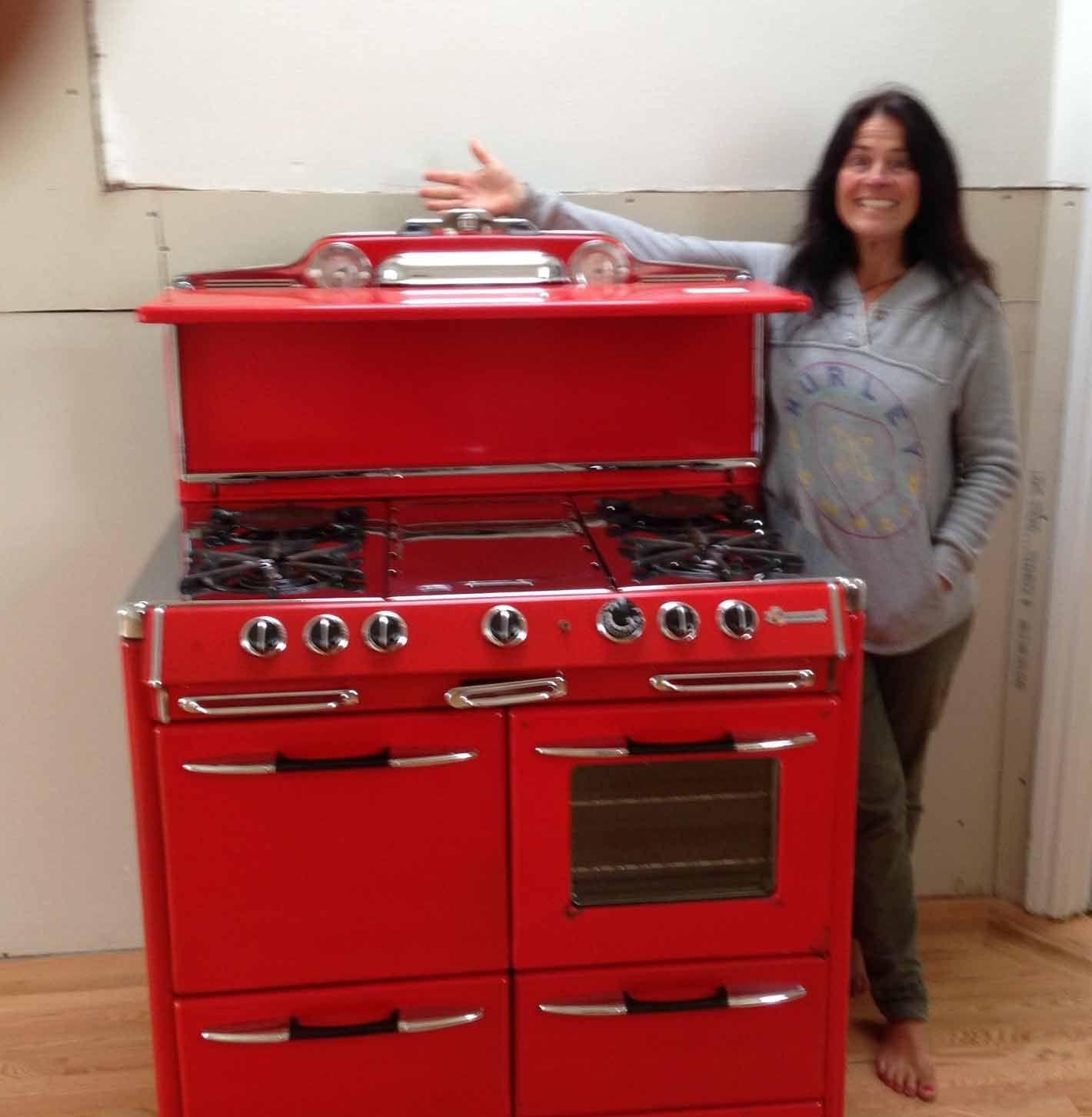Vintage And Classic Stoves Sales In 2020 Vintage Stoves Vintage Kitchen Appliances Antique Stove