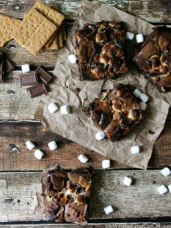 S'moreo Brownies S'mores and Oreos in brownies?! Perfection! #smores #oreos #brownies #dessert