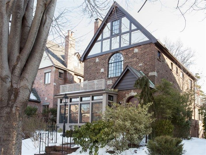 87196c5957f39a920dfeeba3a8b3f46d - Forest Hills Gardens Real Estate Sotheby's